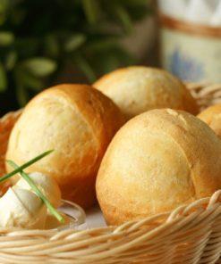 Хлебная корзина с маслом